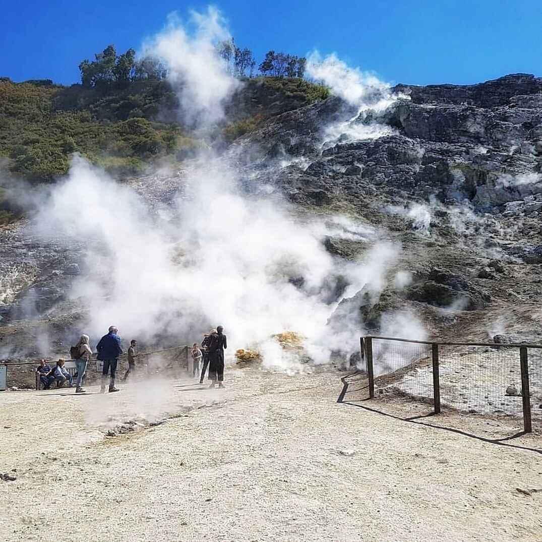 neapol-potstsuoli-vulkan-solfotara-1