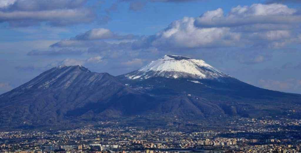 ekskursiya-na-vulkan-vezuvij-iz-neapolya