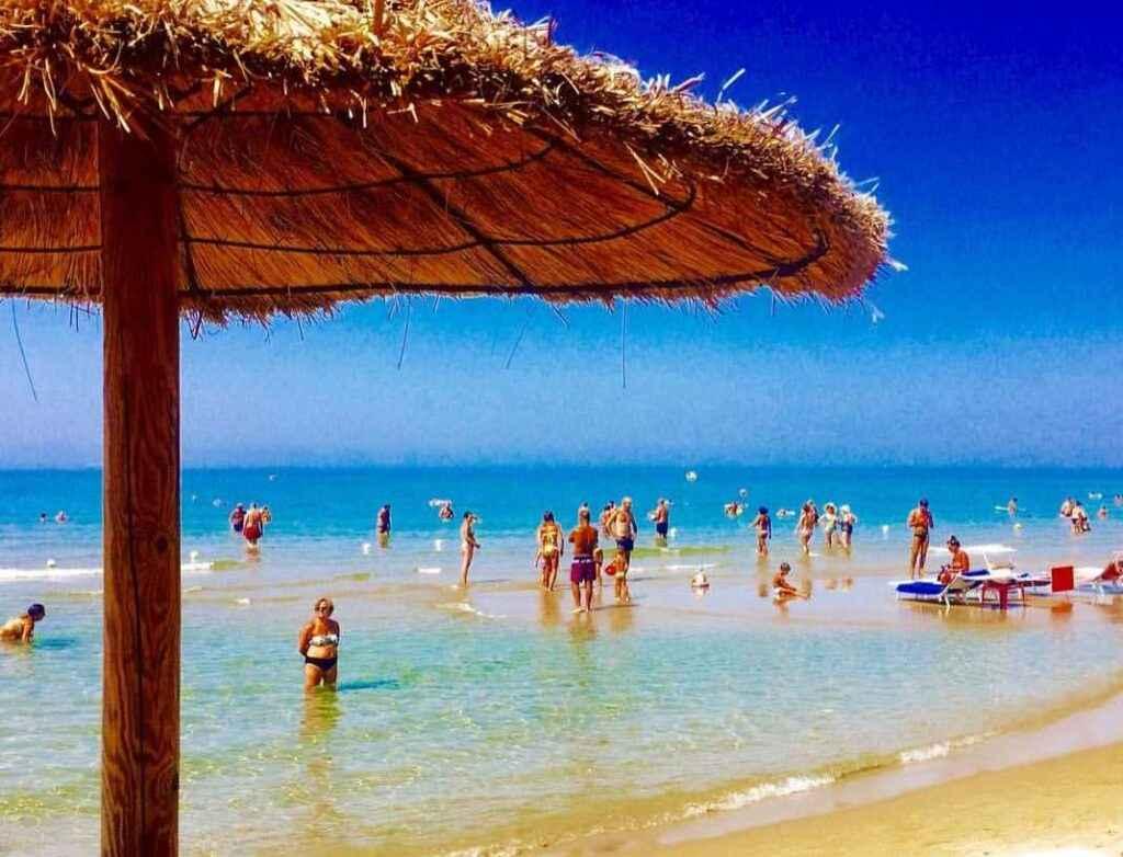 Пляж Ачароли
