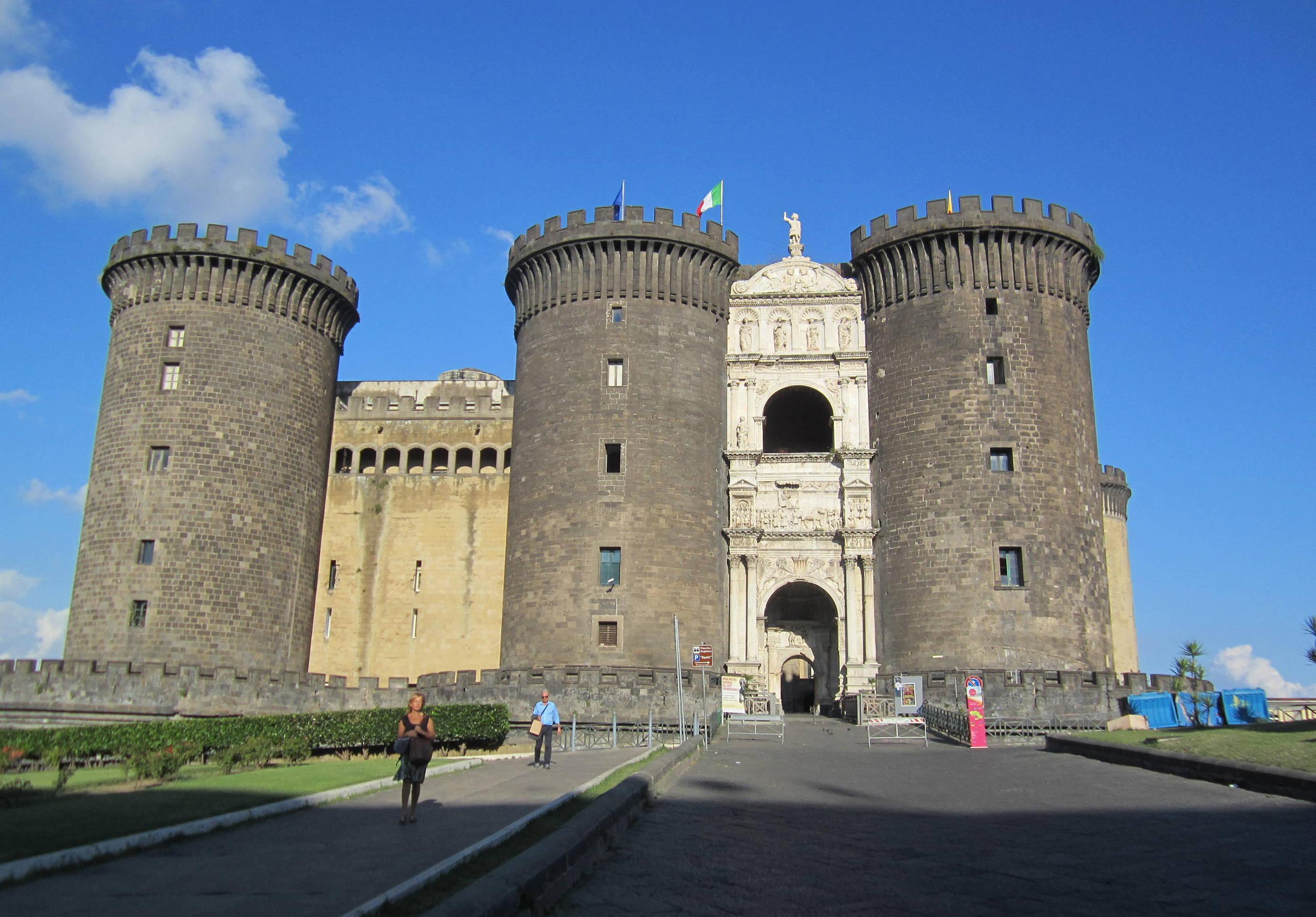 Неаполь, Новый замок